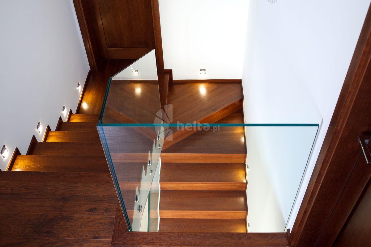 Balustrady szklane na antresoli