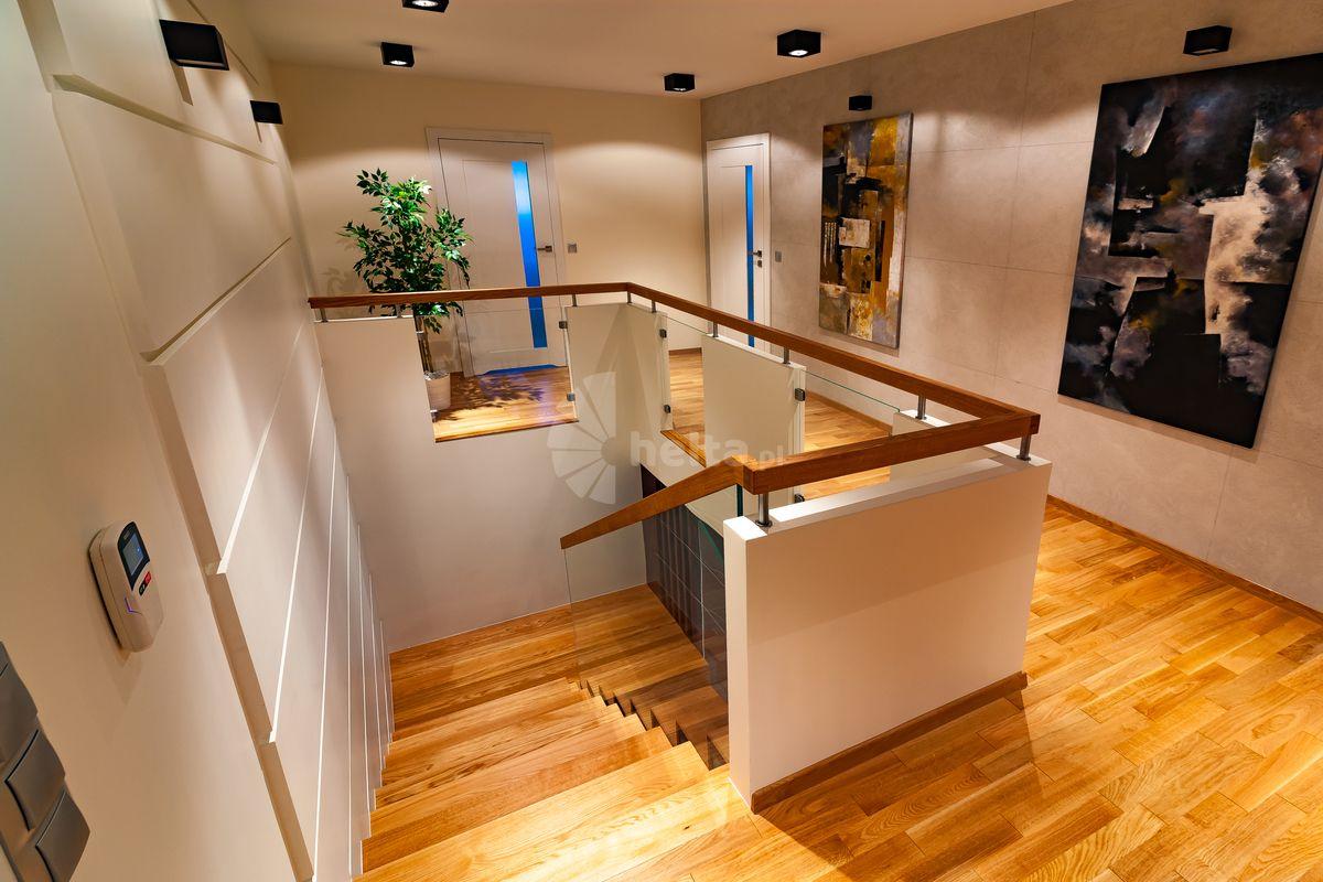 Dębowe schody i podłogi
