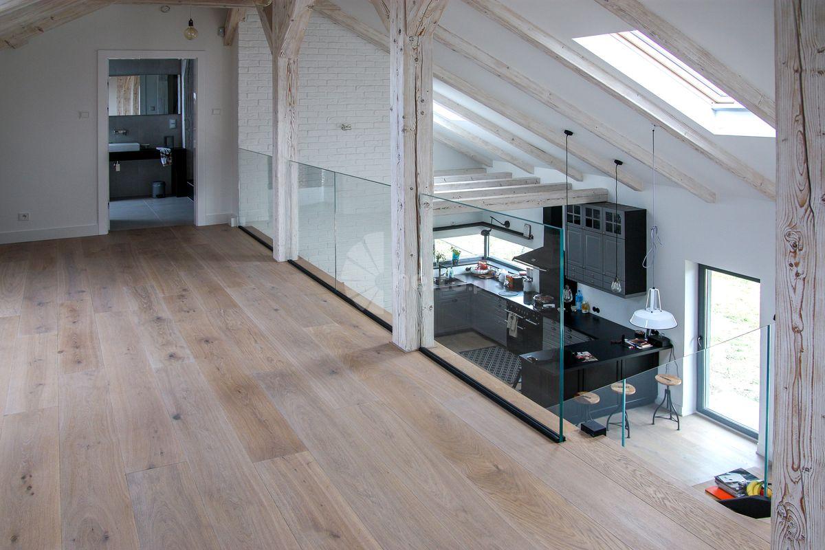 nowoczesne balustrady wewnętrzne drewniane
