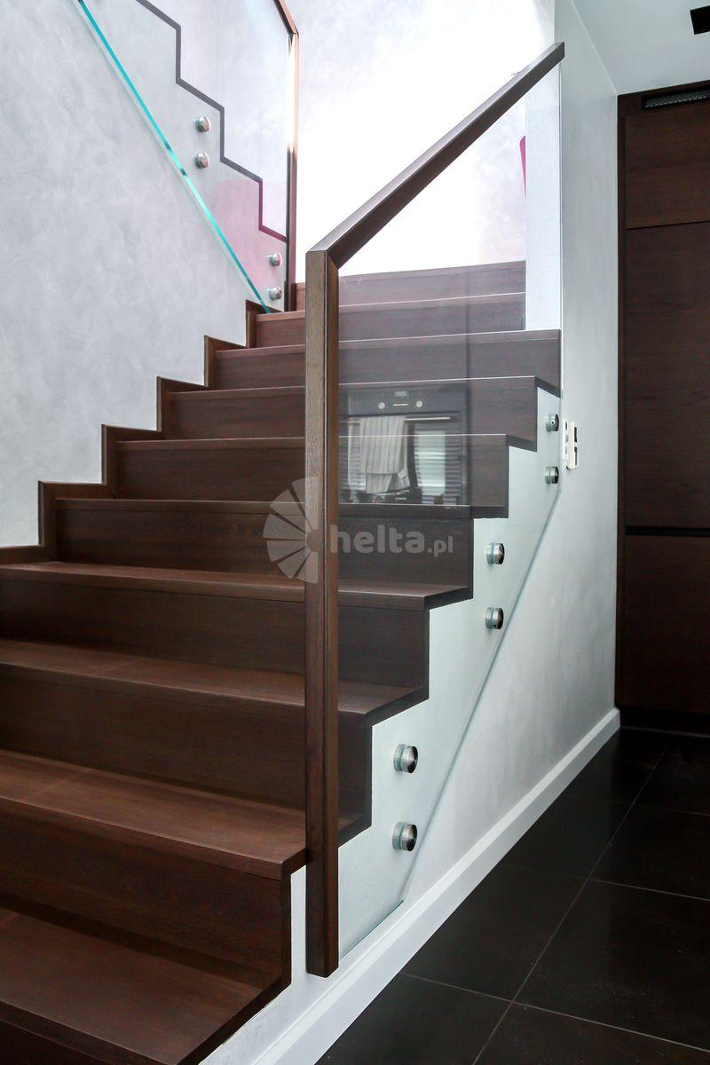 balustrady wewnętrzne drewniano-metalowe