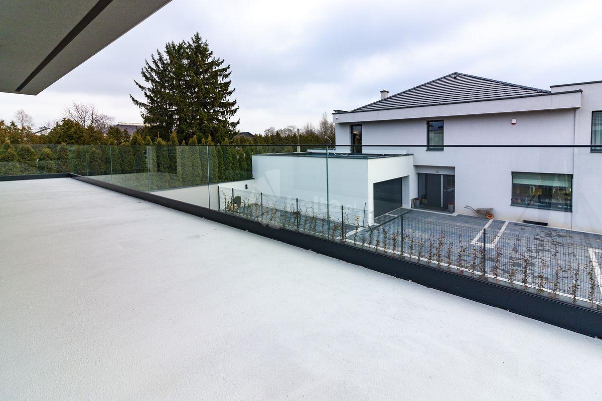 Balustrady balkonowe szklane w profilu