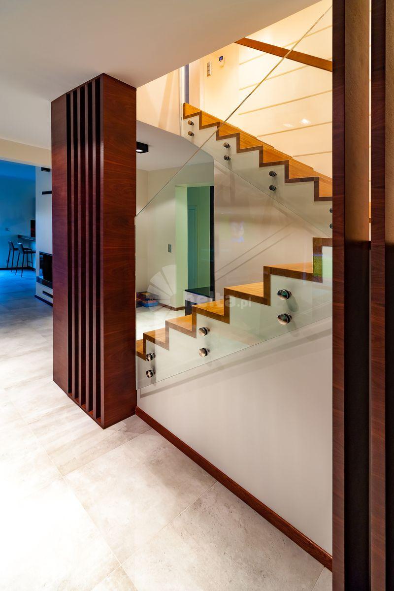 schody dywanowe na beton montaż