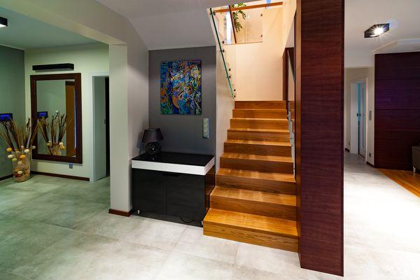 Cennik schodów drewnianych na beton