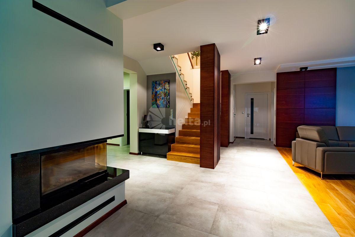 schody dywanowe na betonie