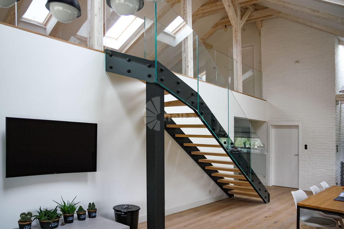 schody wewnętrzne metalowe