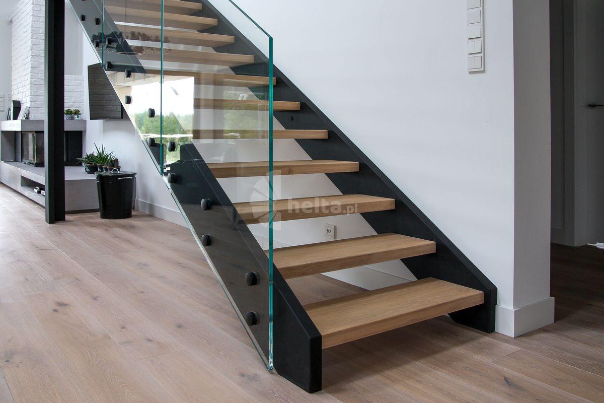 schody metalowe wewnętrzne proste