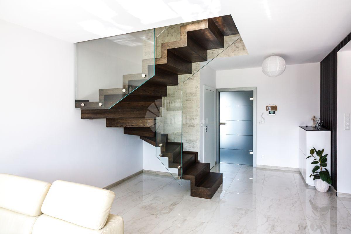 schody kolor orzech amerykański