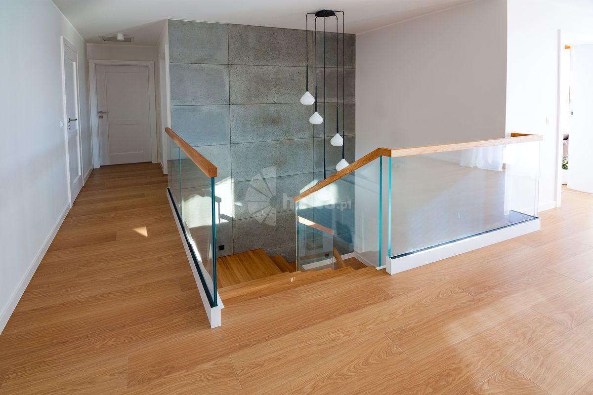 schody drewniane na beton galeria