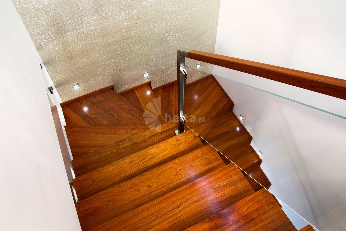 schody z zabiegiem