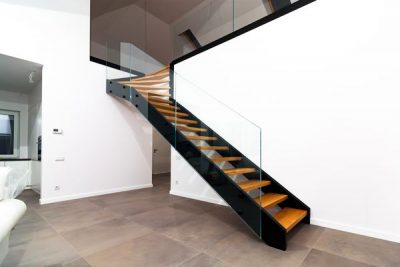 CEnnik schodów drewnianych