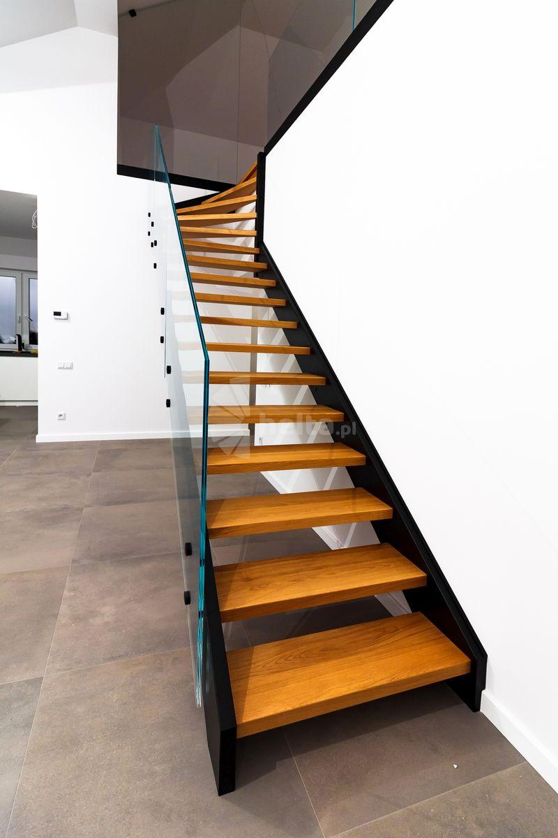 balustrada na schody zabiegowe