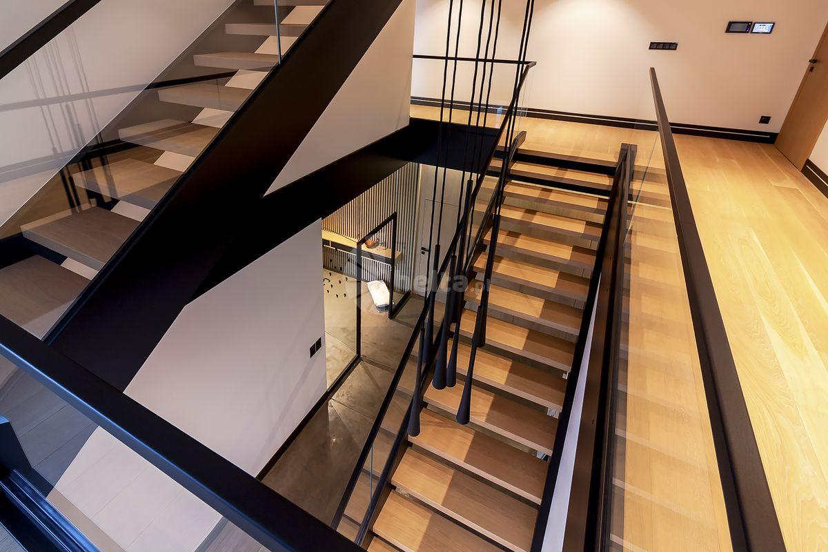 poręcze schodowe drewniane