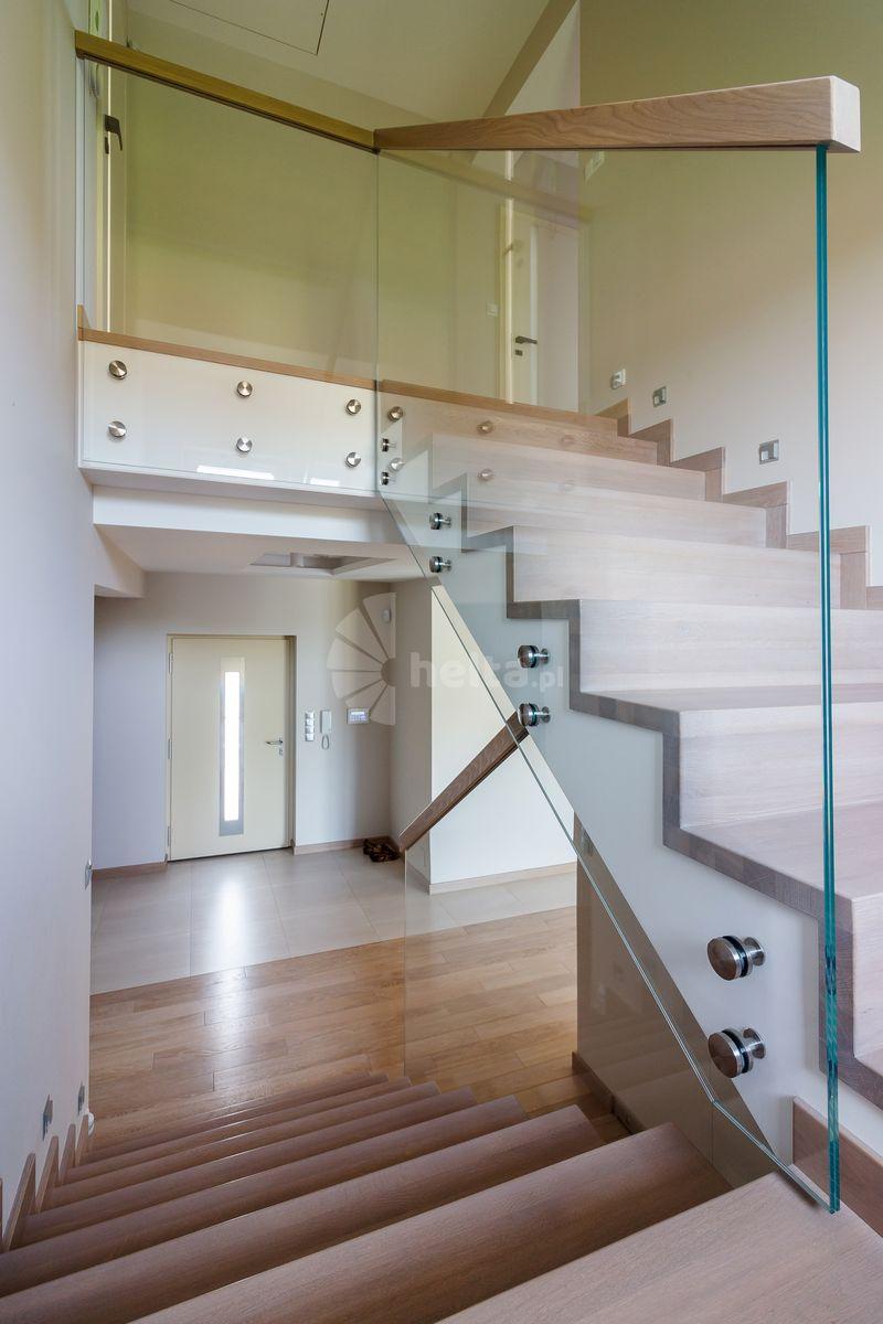 wykończenie schodów