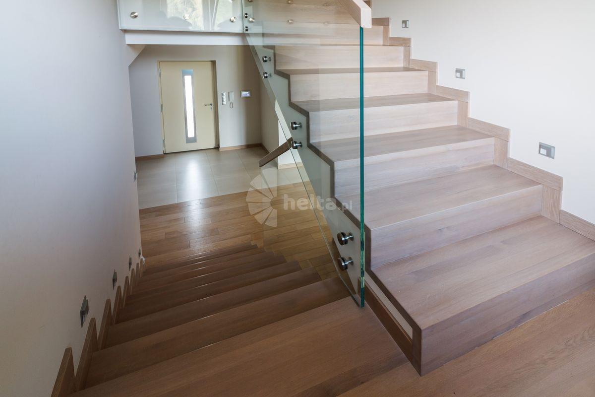 schody drewniane nowoczesne na beton