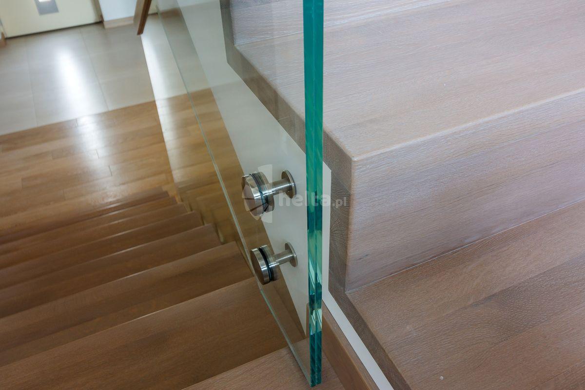 drewniane schody nowoczesne
