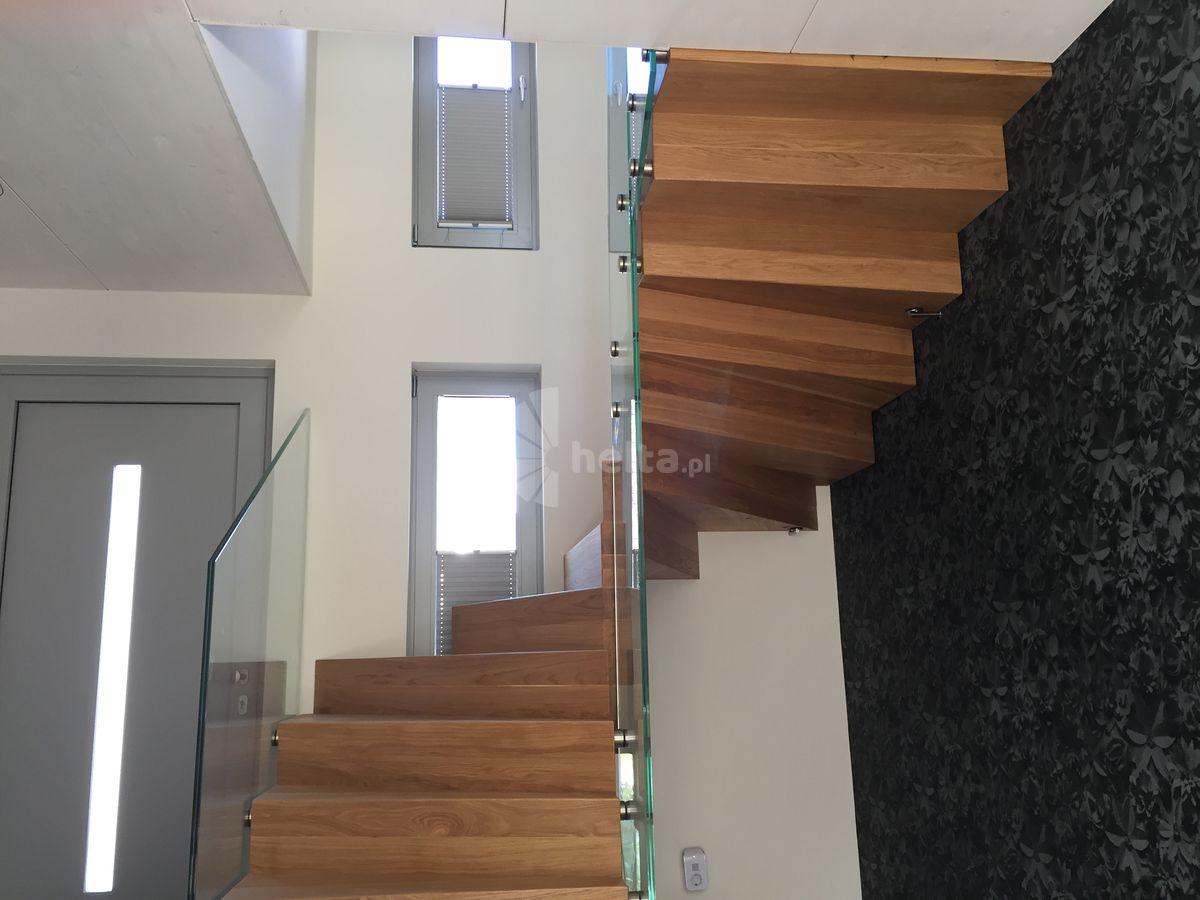 schody drewniane zabiegowe samonośne
