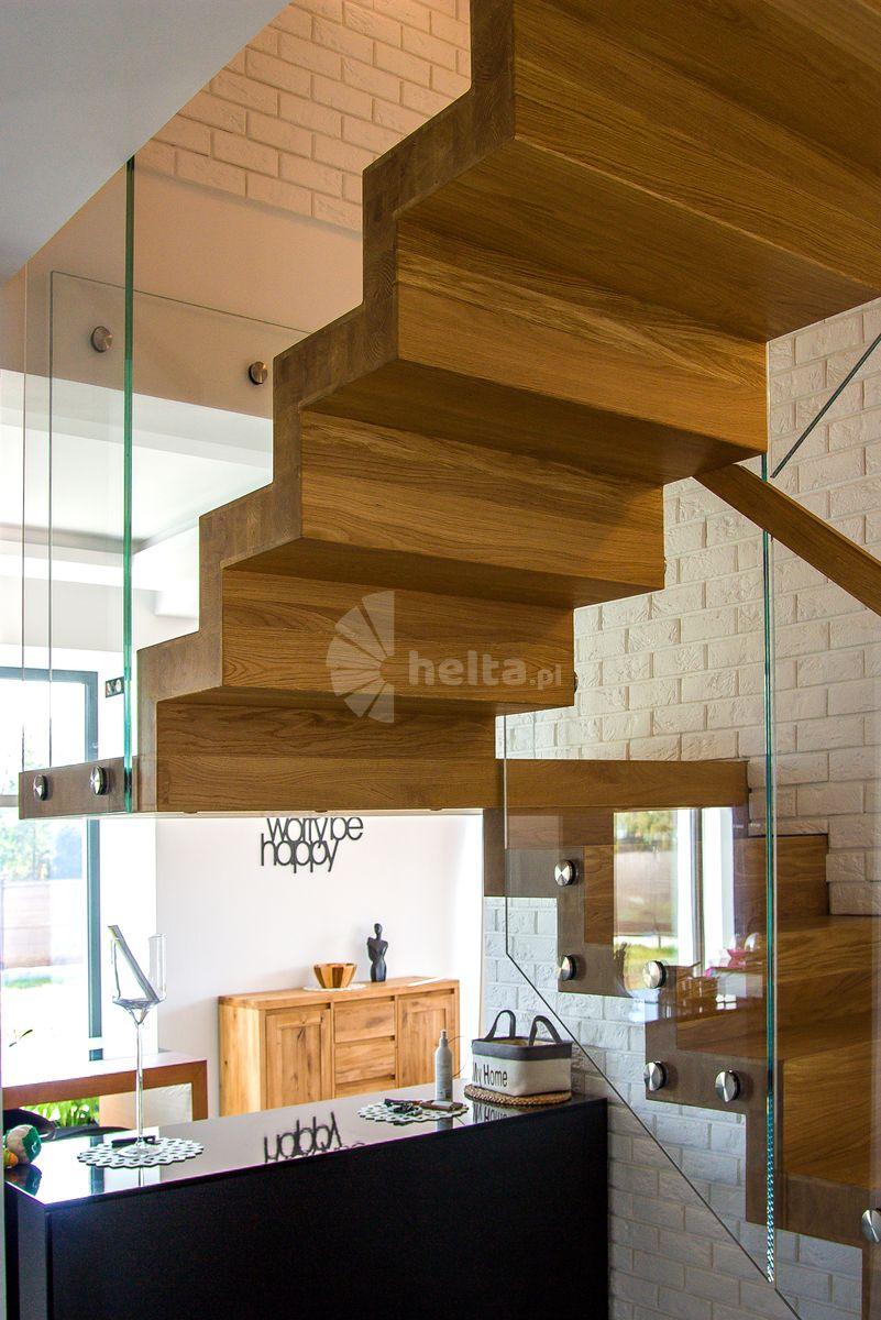 schody wewnętrzne dwubiegowe