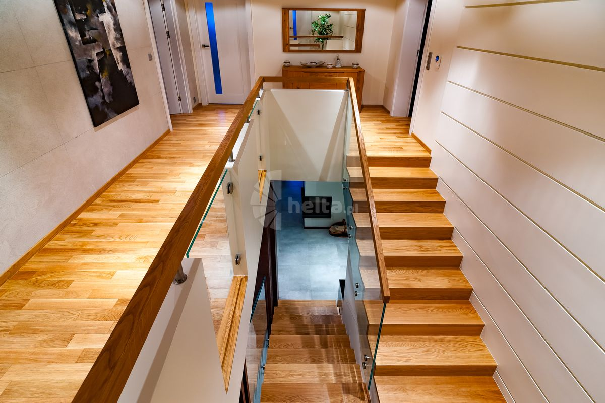 schody dwubiegowe drewniane