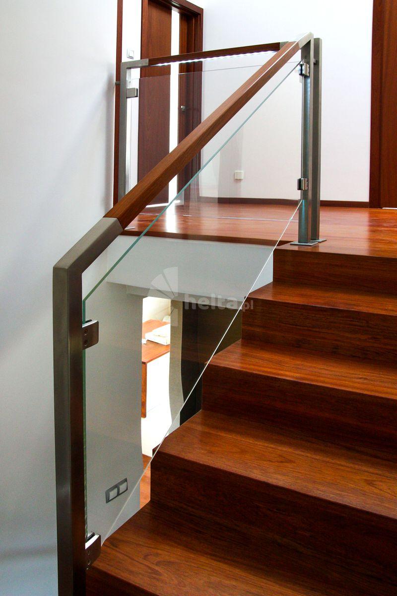 schody dywanowe drewniane
