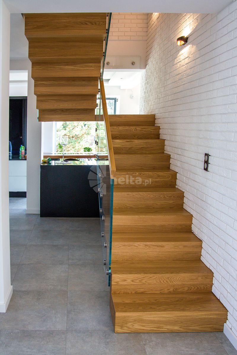schody dwubiegowe łamane