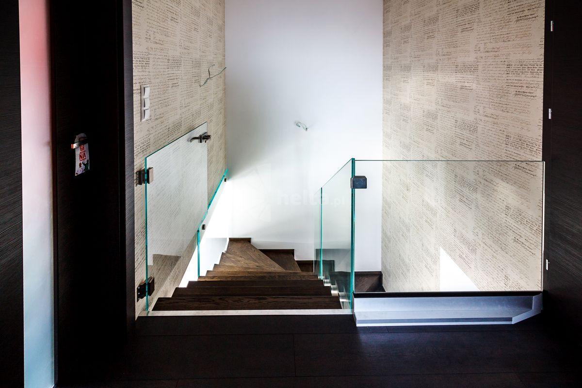 dywanowe schody
