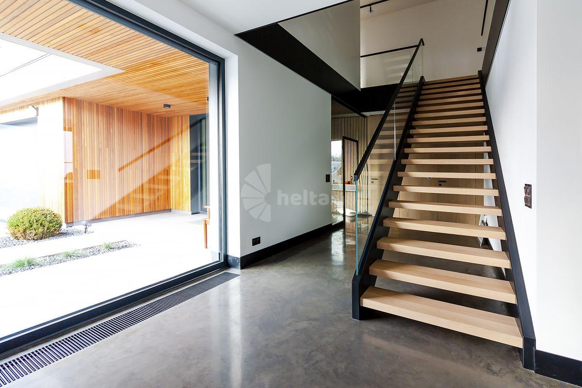 schody wewnętrzne stalowe