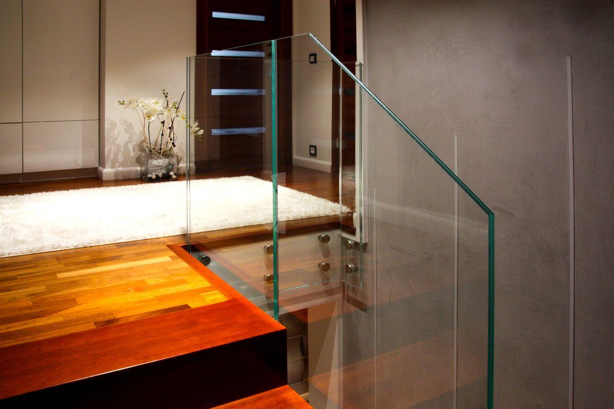 nowoczesne schody do domu