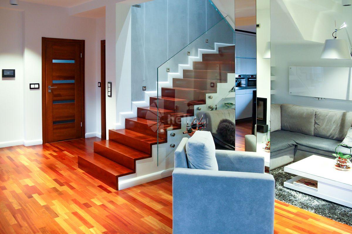 nowoczesne schody zabiegowe