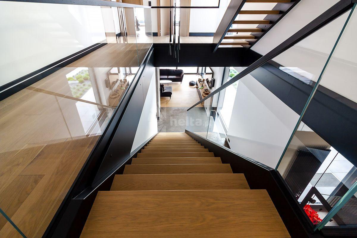 Dębowe stopnie schodowe