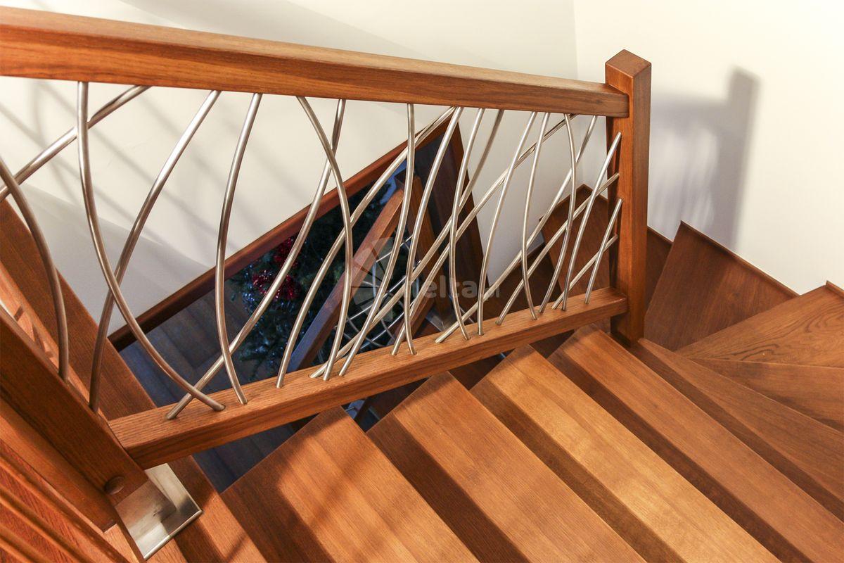 balustrady drewniane schody