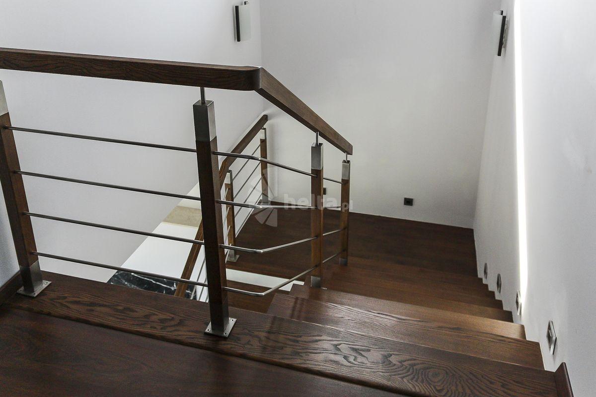 barierka na klatce schodowej