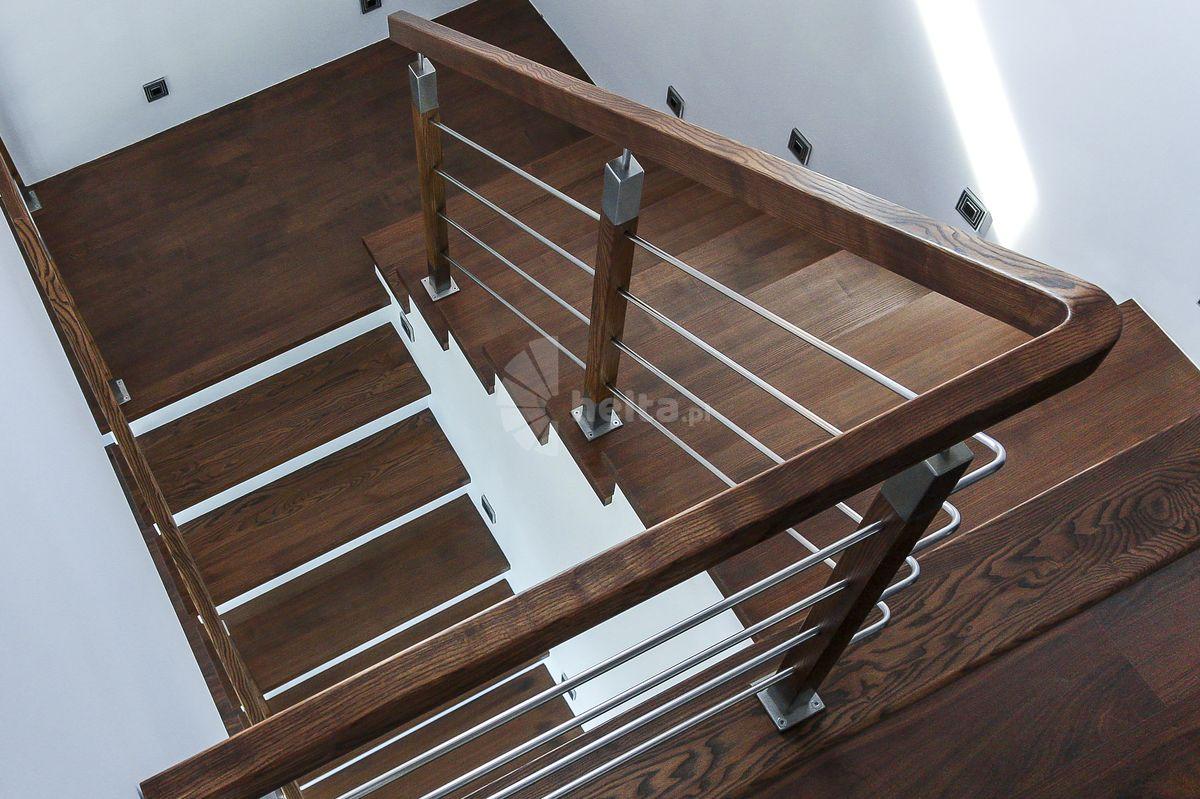 Barierka wewnętrzna z drewna