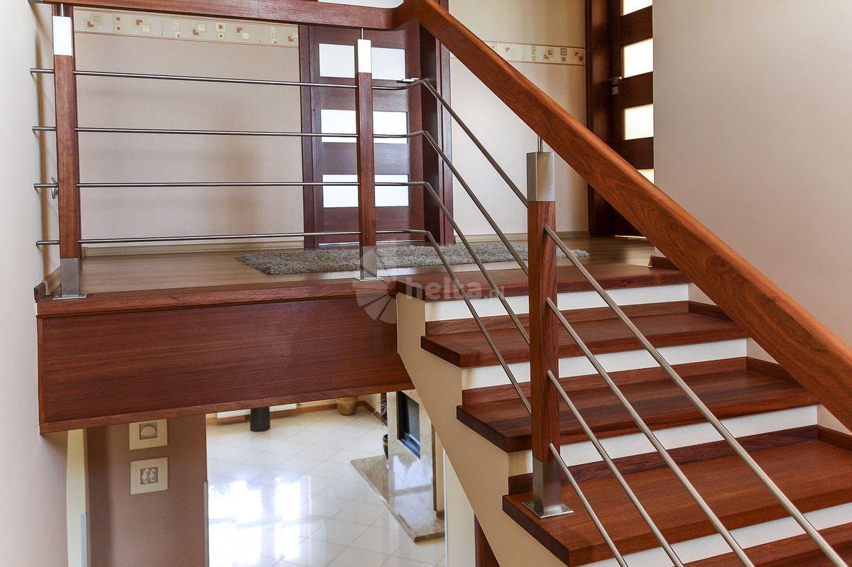schody balustrada drewniana