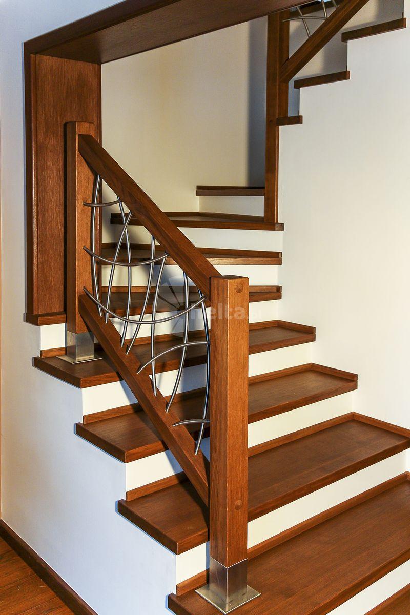 schody drewniane z podstopniami