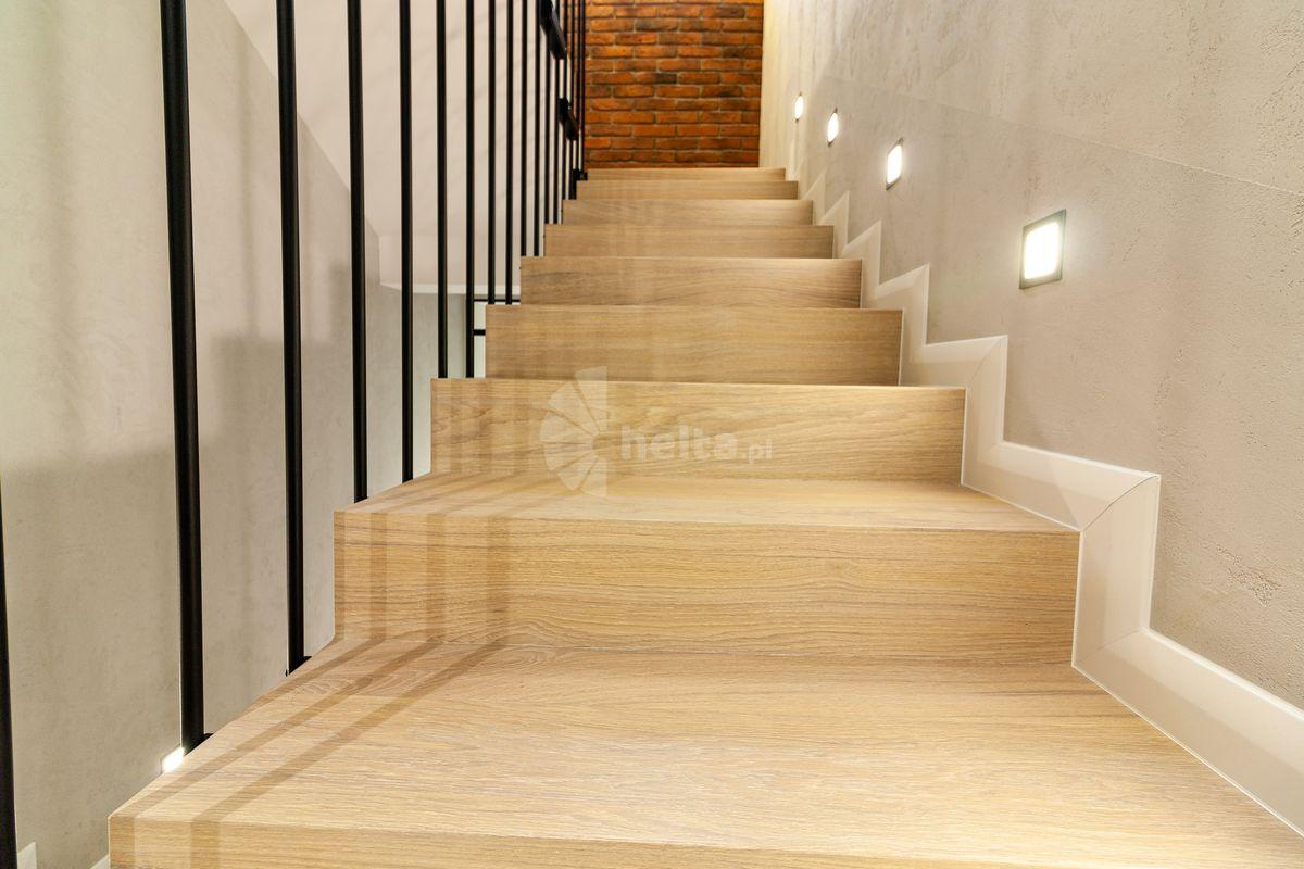 Stylowe schody wewnętrzne