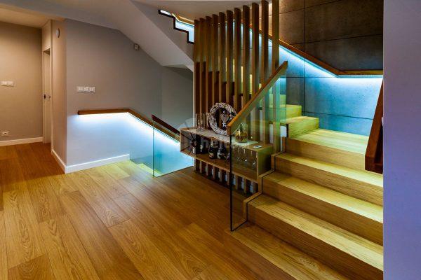 stopnie na schody drewniane