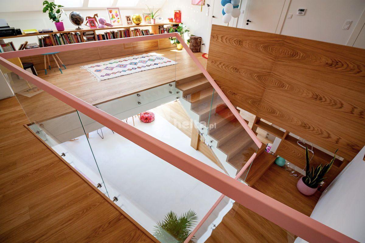 naturalne schody wewnętrzne