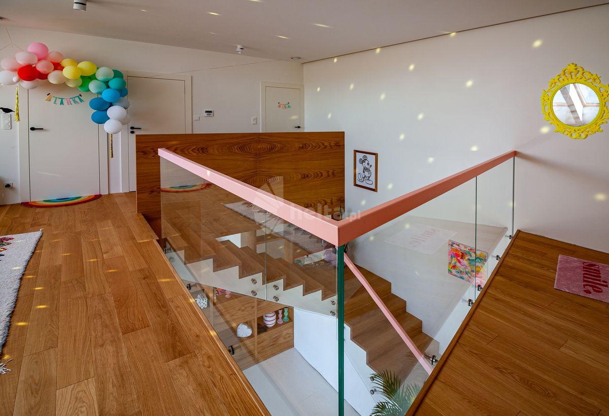 drewniane schody naturalne