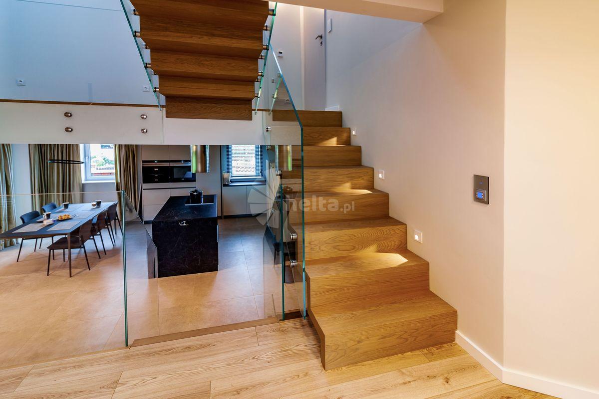 schody dębowe dywanowe